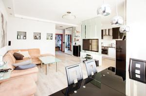 Mieszkanie trzypokojowe Olbrachta Wola