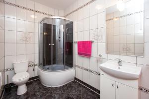 Dom Jozefow WC IMG 5059 Small