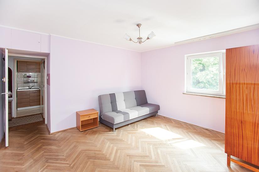 Broniewskiego Salon 2 IMG 7304 Small